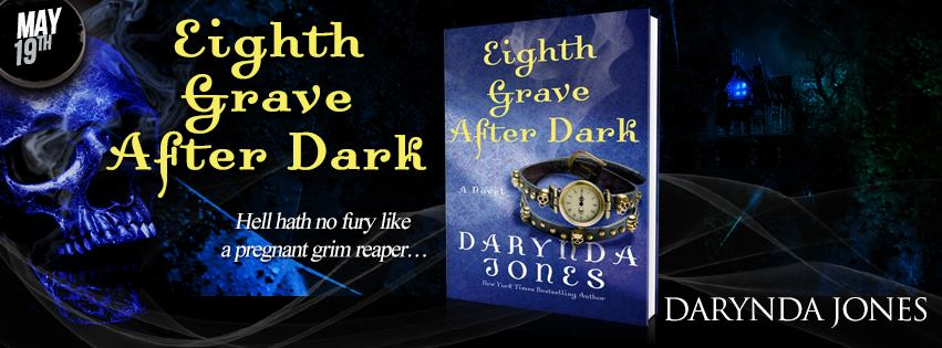 #Giveaway Interview DARYNDA JONES and HellHounds #EighthGrave @Darynda  @StMartinsPress